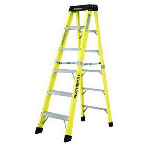 Featherlite Extra Heavy Duty Fiberglass Step Ladder