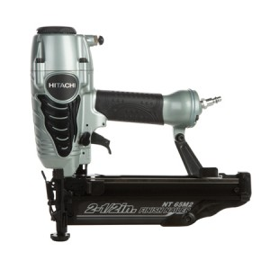 "Hitachi NT65M2 2-1/2"" 16-Gauge Finish Nailer with Air Duster"